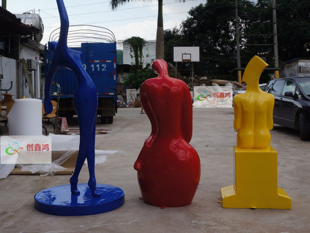 雕塑材质的选择直接影响到了雕塑最后的成品效果