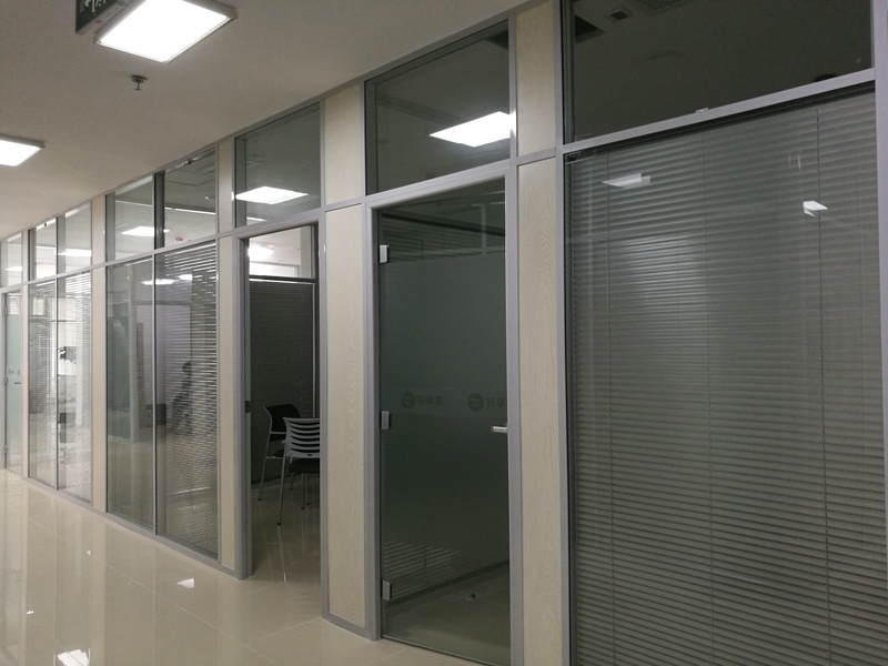 玻璃隔断批发—双玻百叶隔断