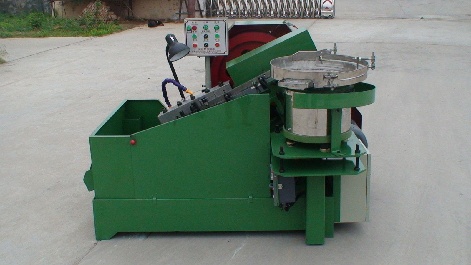 浙江高速、超高速搓丝机厂家推荐,秋南机械供应振动盘式齿轮箱搓丝机