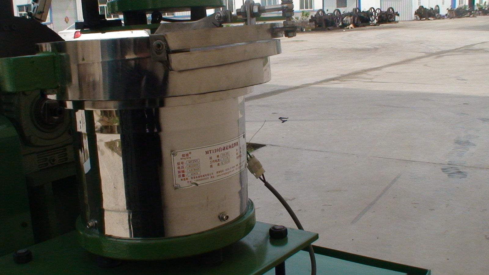 实用的振动盘自动送料机在哪买 ,订购螺丝自动定向机
