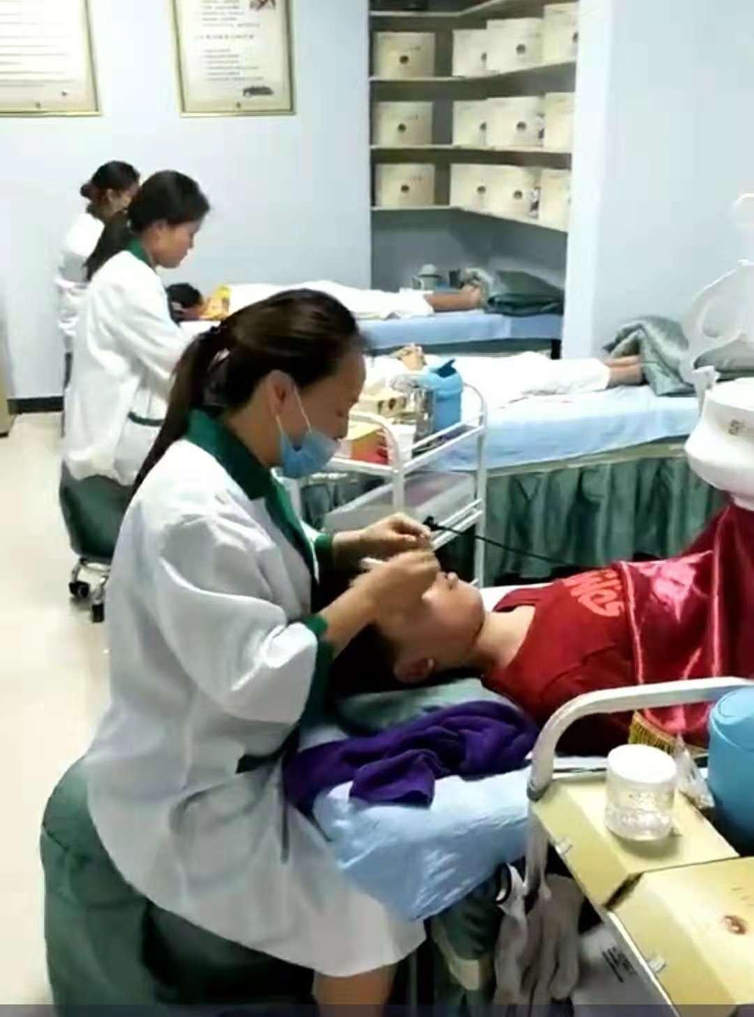 河南治疗近视上亮睛睛生物科技-视力矫正连锁加盟中心