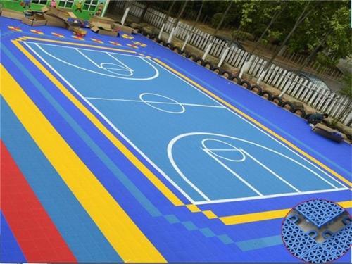三门峡篮球场塑胶地板_亿佰建材供应安全的篮球场塑胶地板
