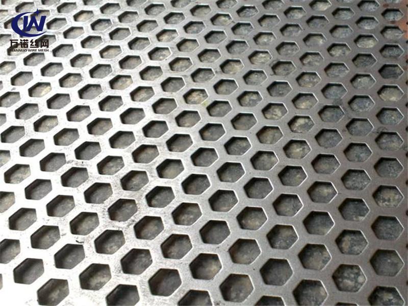 六边形铝穿孔网板--安平县万诺丝网