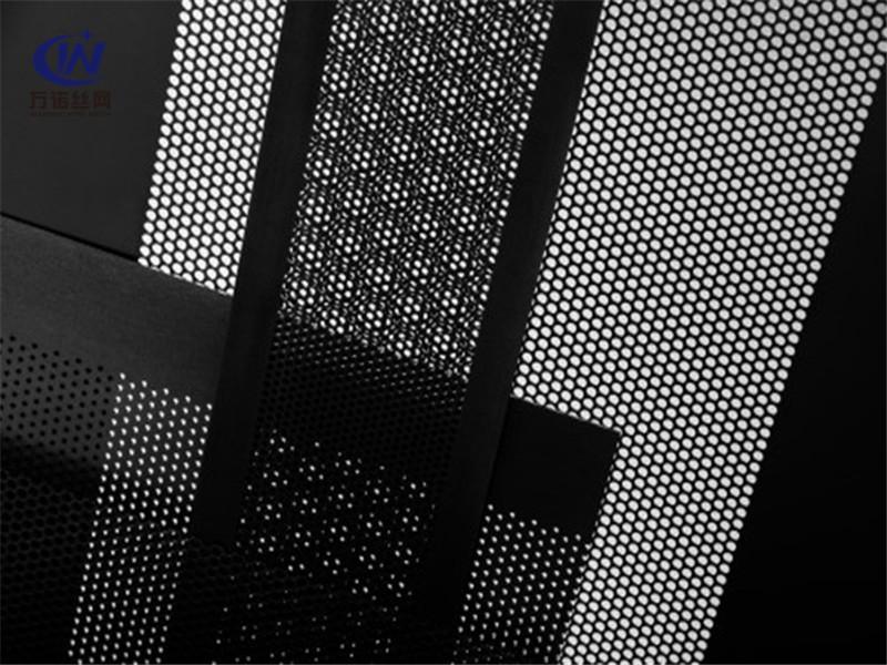 黑色穿孔网板--安平县万诺丝网
