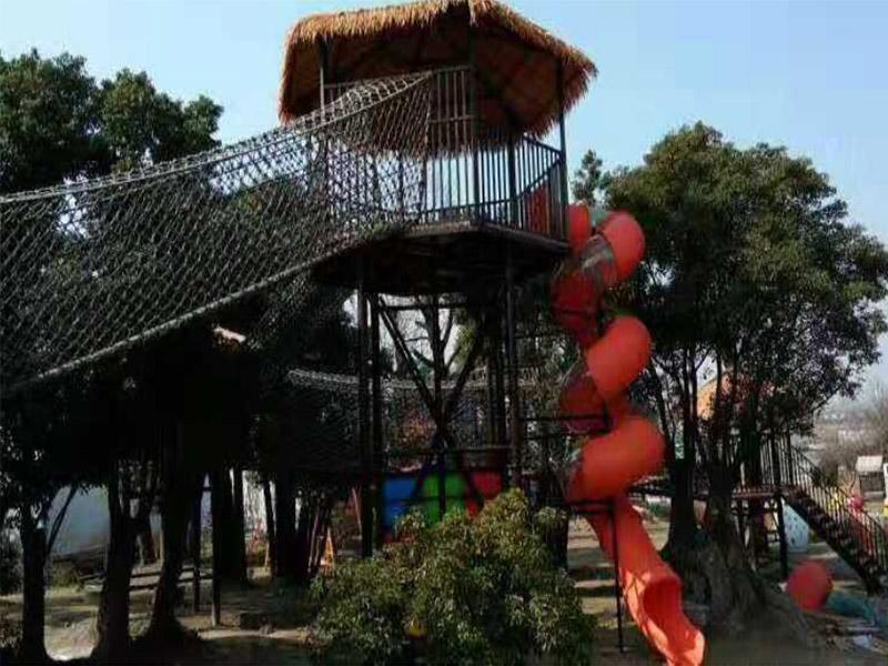 体能拓展攀登游乐设施