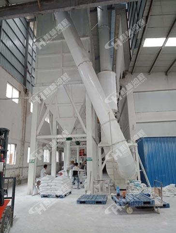 山东2500目生石膏磨粉机HLMX1100立磨大型气流微粉磨