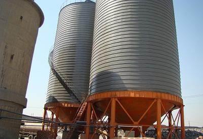 大型水泥储存罐相对于一般钢板仓的不同之处