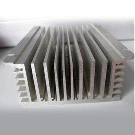鋁制散熱器批發//鋁制散熱器廠家
