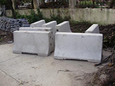 苏州公路水泥隔离墩|上海市口碑好的混凝土隔离墩销售