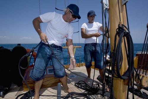 【天固船舶】正规船员招聘_正规船员招聘公司_铸就高薪成功路