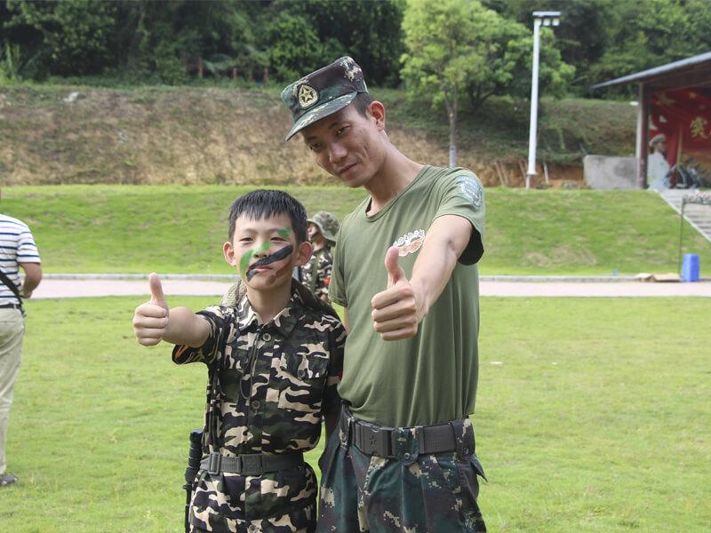 广州夏令营机构报名/少儿正规夏令营机构/坚强小兵