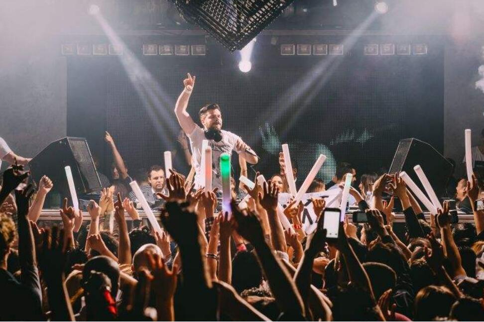 超嗨的士高舞曲_广东哪里有供应口碑好的可可DJ音乐网