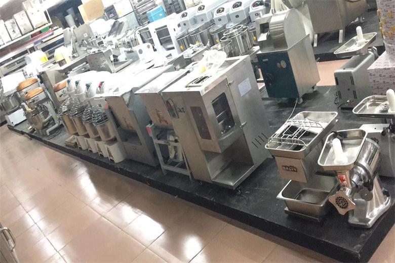 广东省厨具厂家规范管理生产厂家直销厨具免费提供厨房设计方案
