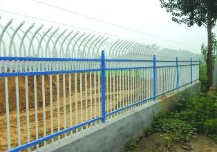 锌钢护栏批发价格-沈阳锌钢百叶窗
