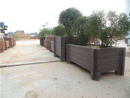 府谷仿木水泥花盆定做_划算的榆林仿木水泥花箱哪里有
