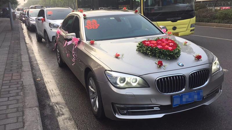 重庆婚车出租在哪里|重庆嘉禾婚车租赁有限公司_重庆婚车租赁服务专业靠谱