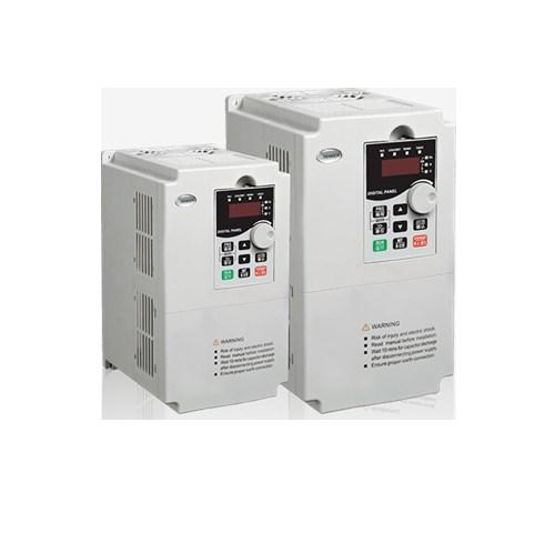 供应国彬五金机电有限公司耐用的变频器,江苏大中电机YX3系列