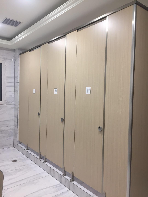 潍坊卫生间隔断维修服务_青岛哪有供应划算的卫生间隔断