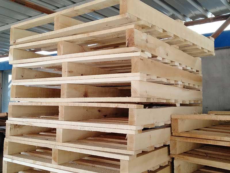 甘肃木屑供应-要买木托盘当选兰州裕明木制品