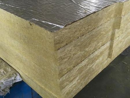 兰州岩棉板材料该如何进行选择?