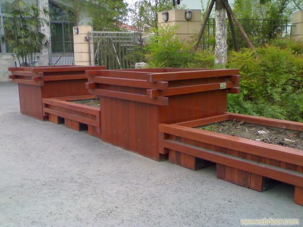 安康仿木水泥花箱价格-供应陕西划算的安康仿木花箱