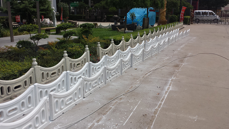 安康草坪围栏多少钱,安康仿石护栏报价,安康草坪护栏生产厂家