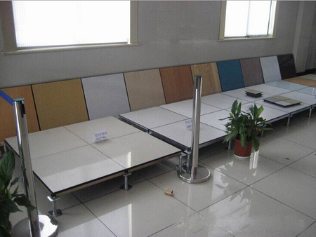 【宏昌】优惠多多~防静电地板_PVC防静电地板批发价格