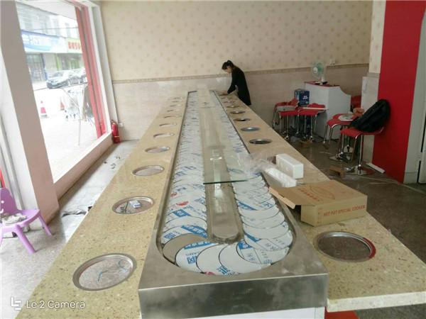 供应郑州划算的旋转火锅无需申请自动送彩金平台室内款|火锅桌椅批发价格