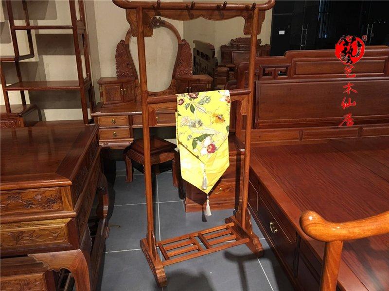 哪里可以买到创新的红木衣架_厂家供应红木餐桌
