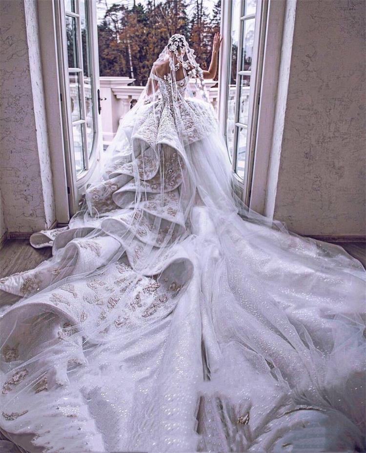 修文婚纱定制哪家有-贵州哪里有提供可靠的澳钻重手工婚纱租赁