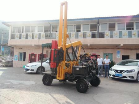 四川公路打桩机多少钱-大量供应高性价渝工公路打桩机