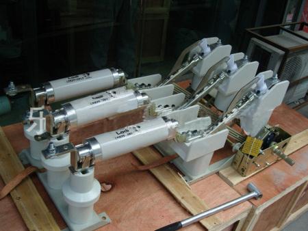 甘肃ZW32-12真空断路器价格-想买专业的负荷开关就来秦岭电器厂