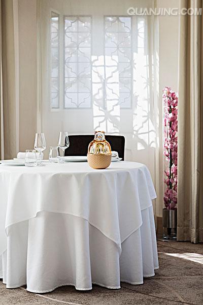 湖北桌布销售-西宁凯源服装厂提供有品质的桌布产品