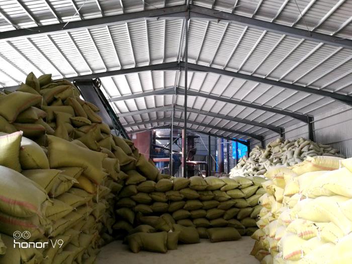 信阳供应不错的弘鑫珍珠岩20-30目珍珠岩 售卖珍珠岩