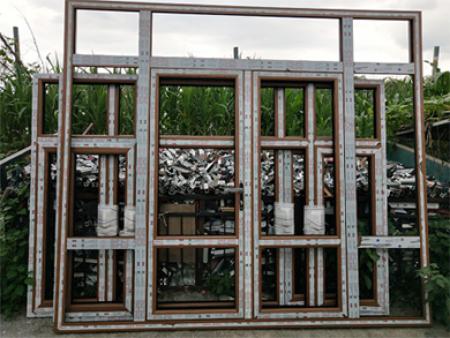 抚顺铝包木门窗的夏与冬