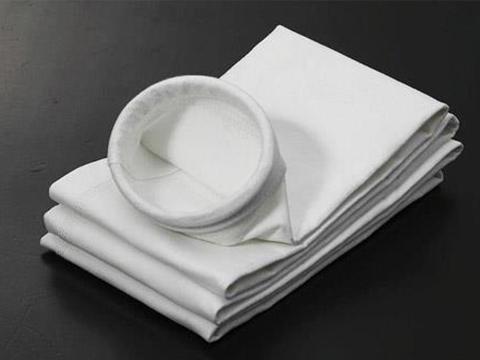 壹企发环保供应厂家直销的除尘器布袋|山西拒水防油涤纶针刺毡
