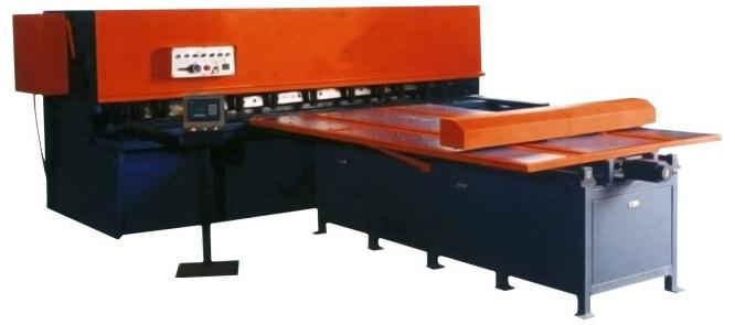 数控送料机0235钢板99种编程组合方钢焊接无应力