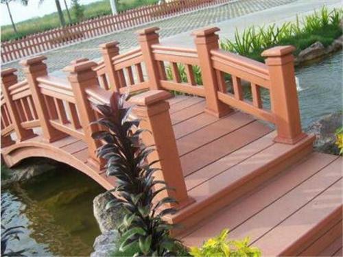 青海防腐木花架定做|高品质西宁塑木护栏哪里有供应