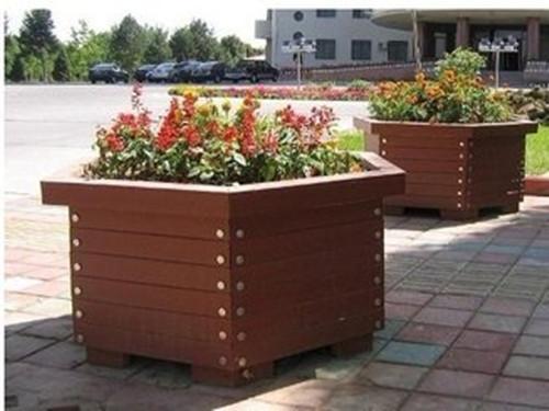 兰州护栏隔离花箱定制_专业的塑木花箱供应商推荐