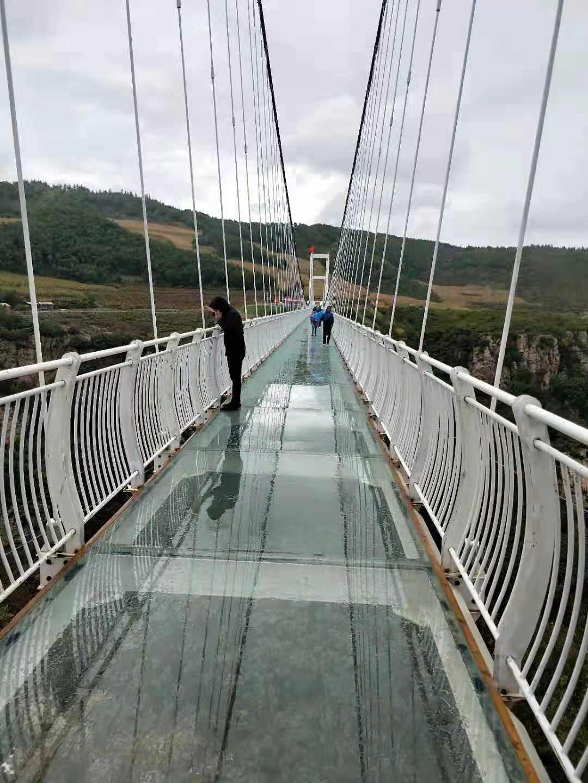 龙岩玻璃吊桥厂家-质量优良的玻璃吊桥推荐