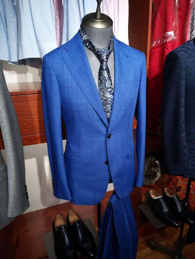 新疆西装订制多少钱|靠谱的乌鲁木齐西装订制,就来天山服装厂