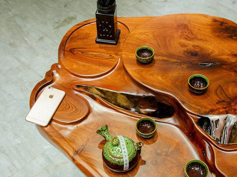 实木根雕茶几,怎么买实惠的花梨木根雕茶台呢