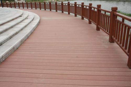 二代PE共挤木塑地板价格-供不应求的榆林塑木地板推荐