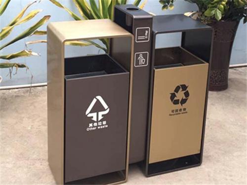 运城3立方钩臂式垃圾车定制-信誉好的运城垃圾桶供货商