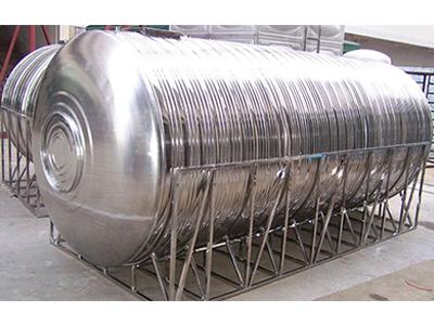 生產圓形不銹剛水箱-宿遷的不銹鋼圓形水箱供應商當屬順意水箱