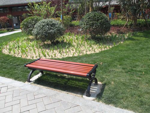 郑州公园椅子安装-志诚塑木物超所值的郑州公园椅出售