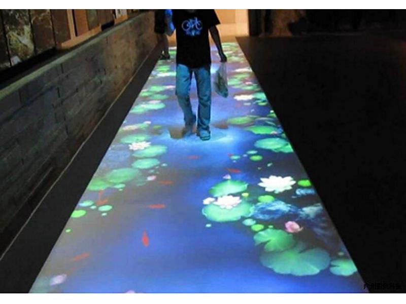 地面互动投影设备厂家儿童电玩城投影互动地面游戏