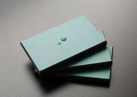 供应青岛实惠的实芯理化板_实芯理化板