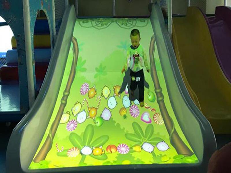 互动投影儿童乐园游乐设备_选购互动投影滑梯认准小秦人游乐