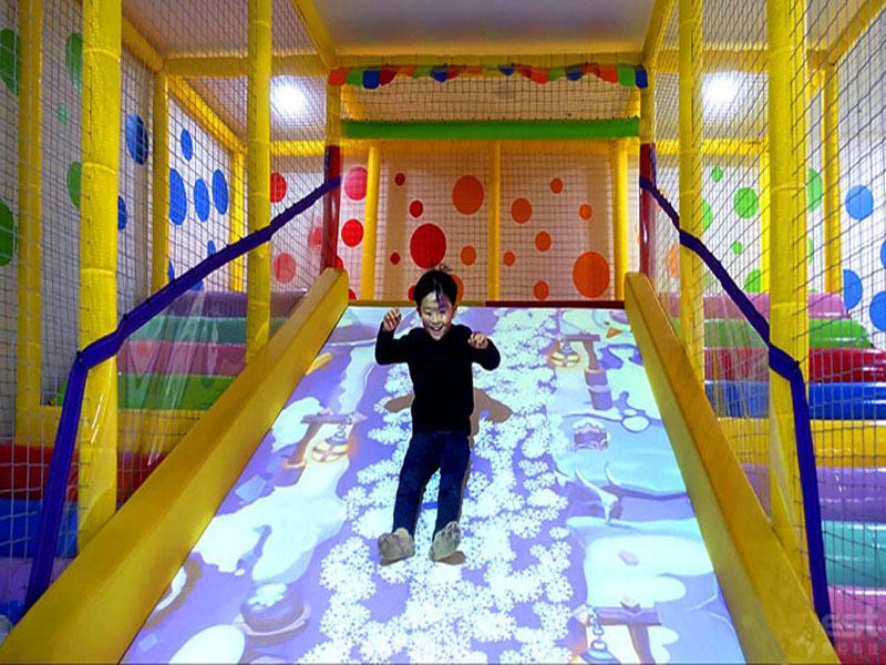 墙面互动开发_广州互动投影滑梯报价